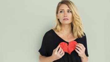 Zlomené srdce u ženy - ilustrační foto